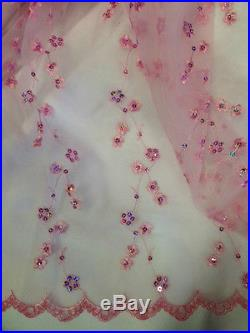 Pretty Tiny Sequined Flowers Covering the Entire Organza with Scalloped Edges, 2